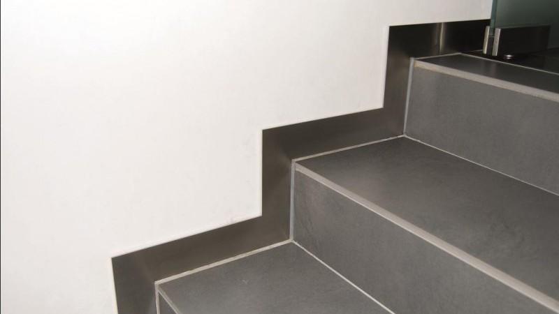 Inox Keuken Plaat : Plint inox plaat aan trap VDC inox