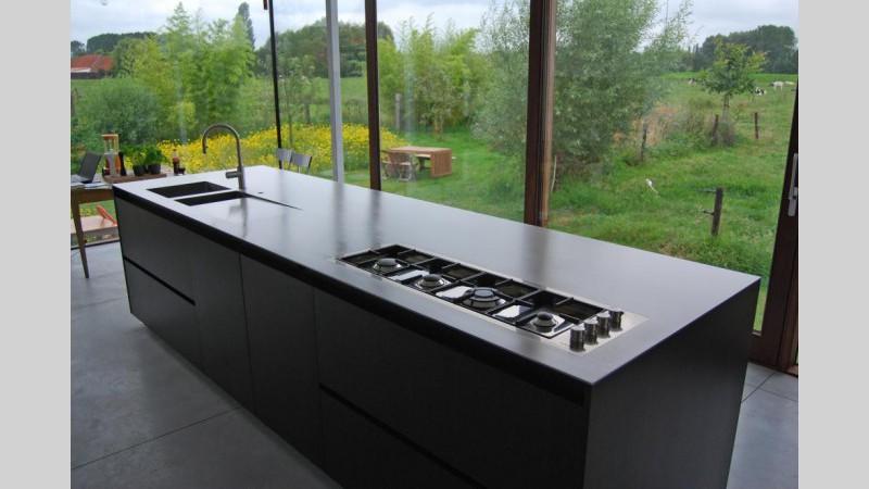 Keukenblad met gasplaat spoelbak en kraan in apeldoorn huis en
