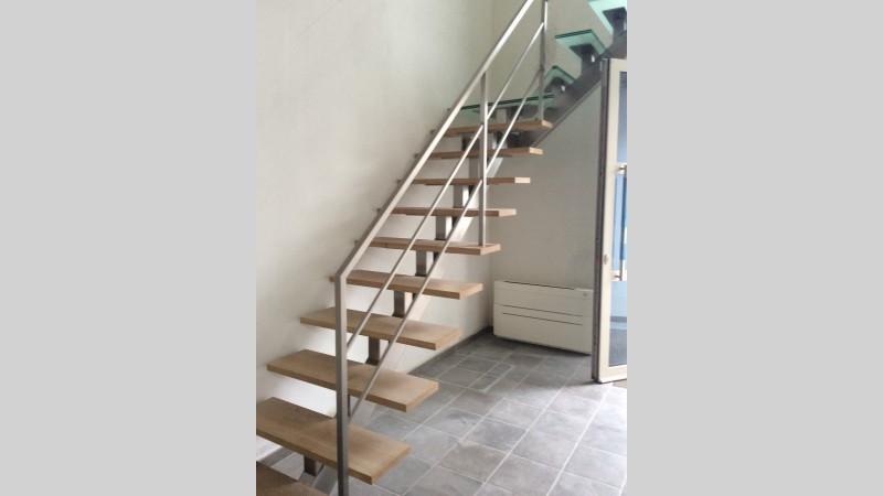 Houten trap in badkamer betonstuc houten trap i love my interior - Interieur houten trap ...